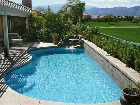 small backyard pool landscaping ideas best 25 small backyard pools ideas on small