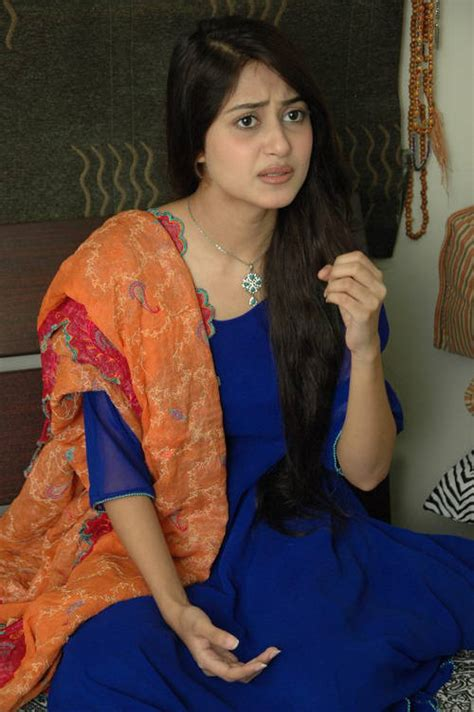 sajal ali without makeup hows she looking without sajal ali photo gallery biography pakistani actress