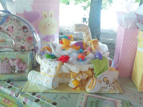 diaper cake bathtub bath tub diaper cake baby pinterest diaper cakes