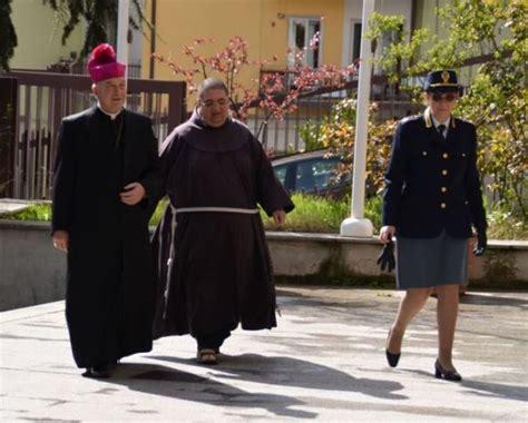 questura potenza ufficio passaporti visita in questura dell arcivescovo di potenza mons