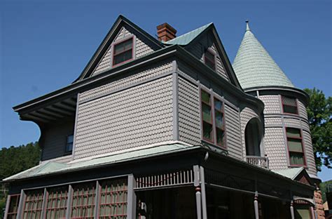 find real haunted houses in deadwood south dakota