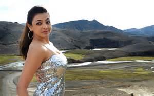 telugu film heroine kajal agarwal navel show images from mister