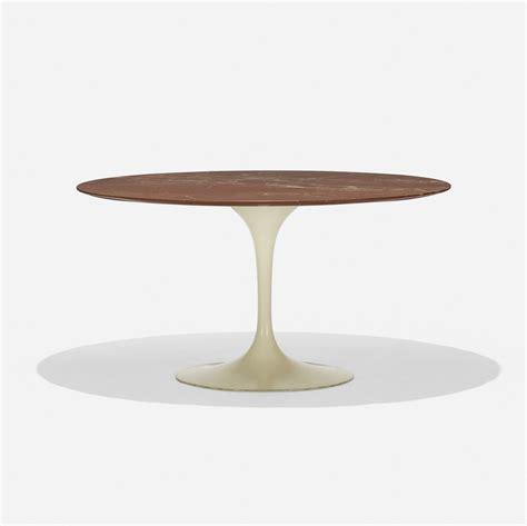 eero saarinen dining table model