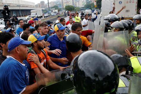 imagenes comicas de maduro y capriles el chavismo reprime la marcha opositora y henrique