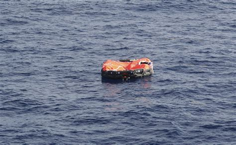 find a boat at sea how long can you survive adrift in the ocean howstuffworks