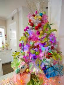 Christmas Tree Decorating Ideas Ribbon Garland - how to decorate a christmas tree hgtv s decorating