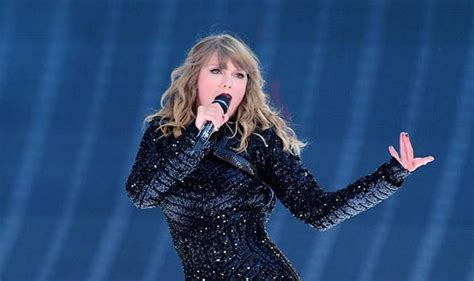 taylor swift dancing with our hands tied review review taylor swift at wembley stadium london june 22