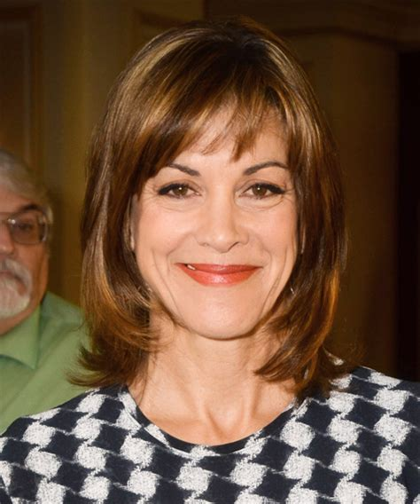 wendy malick hairstyles wendie malick medium straight casual hairstyle with side