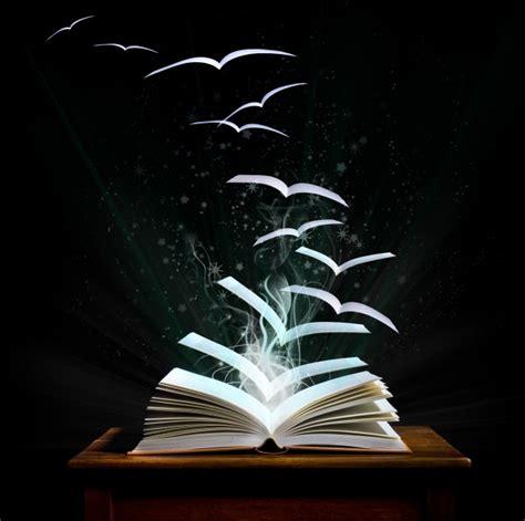 动感线条魔法书图片