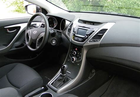 hyundai elantra 2016 interior review 2016 hyundai elantra canadian auto review