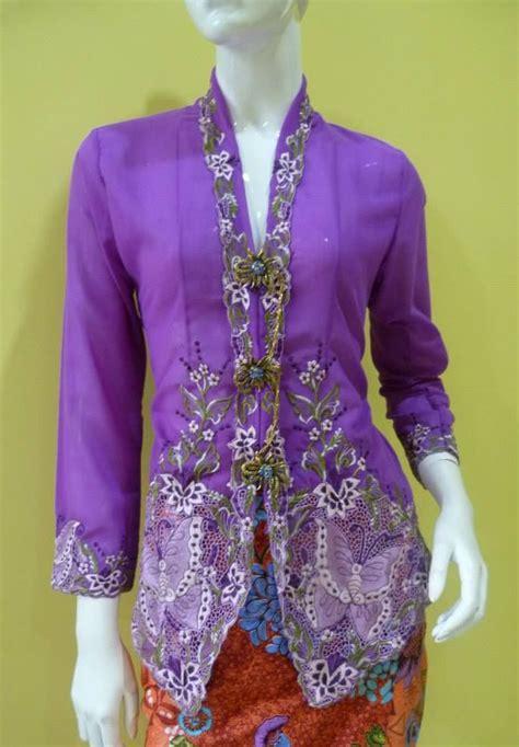 Maklumat Tentang Baju Kebaya Nyonya 1000 images about fashion peranakan costumes on traditional javanese and kebaya