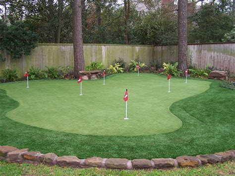 how to build a backyard putting green best backyard putting greens