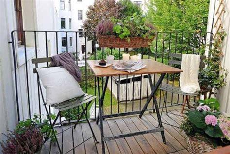 allestire un terrazzo idee per decorare il terrazzo in estate e primavera