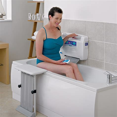 bathroom aids for seniors how the easy2bathe mobility bath lift works easy2bathe