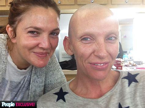 muriel s wedding actress collette crossword photos toni collette shaves head bald toni collette new