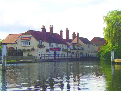 thames river arms kings arms where thames smooth waters glide