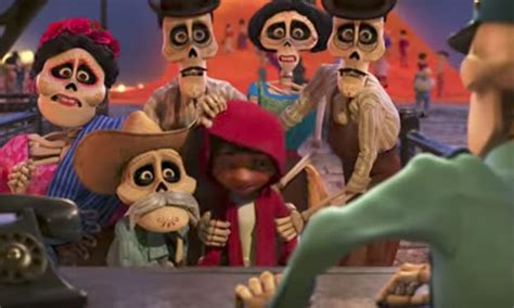 film coco menceritakan tentang menonton filem coco berlinangan air mata disebabkan