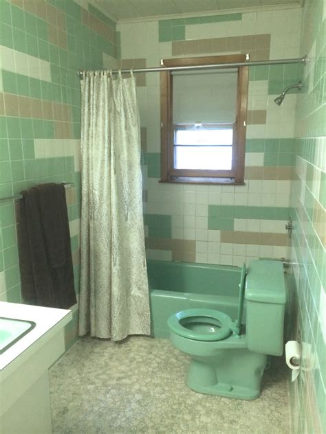 seafoam green bathroom tile ideas  pictures