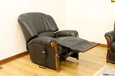 poltrone occasioni divani 3 e 2 posti con poltrona relax elettrica in pelle