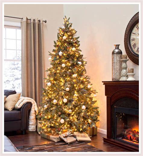 Elegant White Christmas Tree   Christmas Lights Decoration