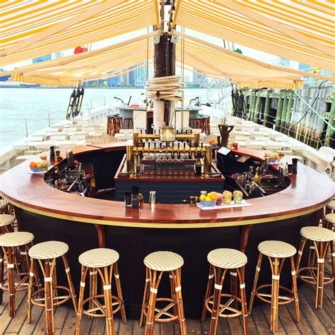boat drinks new york dining and drinks by the sea 8 nyc waterfront restaurants