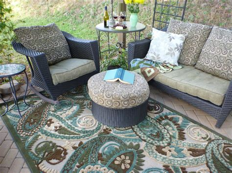 Outdoor Patio Rug Outdoor Rugs Make Springtime Cozy Mohawk Homescapes Mohawk Homescapes