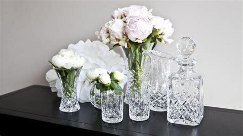piedras para decorar jarrones de cristal jarrones de cristal para decorar tus rincones westwing