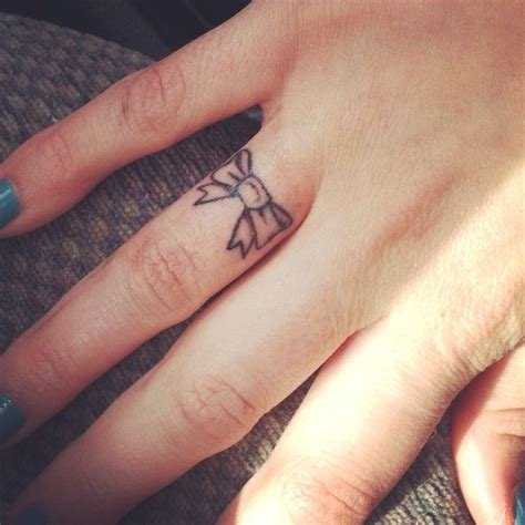 finger tattoos pinterest bow on finger tattoos