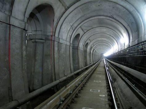 thames river tunnel floodlit thames tunnel the brunel museum