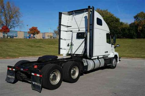 2014 volvo big rig volvo vnl64t670 2014 sleeper semi trucks