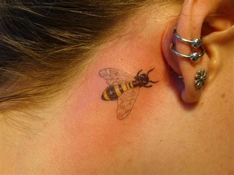 small bee tattoo small bumble bee by welcometoreality on deviantart