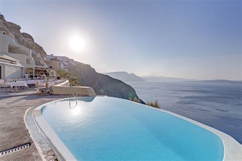 best hotel in santorini oia discover santorini with starwood hotels resorts