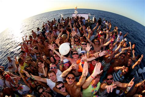 ibiza boat party pictures float your boat carl cox official boat party san antonio