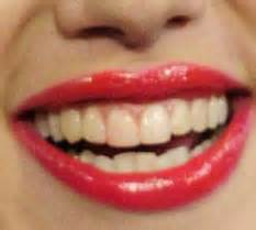 Scarlett Johansson reveals lipstick covered stained teeth in Letterman interview   Daily Mail Online