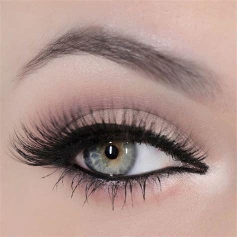 tutorial eyeliner feline the 25 best urban decay concealer ideas on pinterest