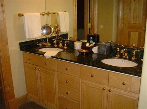 double sink bathroom decorating ideas amazing double sink bathroom vanities design ideas