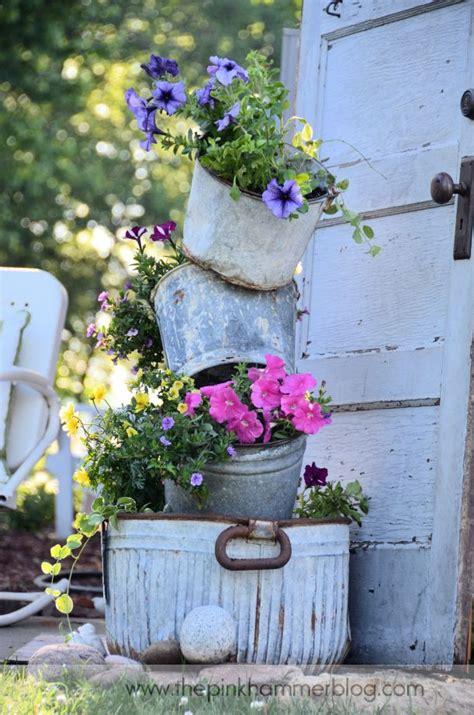 Rustic Garden Decor Ideas Primitive Tipsy Pot Planters Diy Rustic Garden Decor The Pink Hammer
