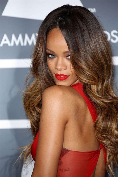 what color is rinna s hair rihanna hair style file grammy award rihanna and hair