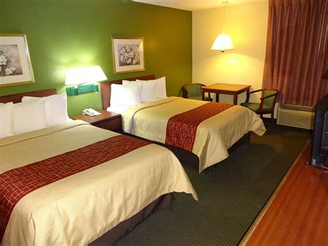 Hotel Rooms Indianapolis by Roof Inn Suites Indianapolis Airport In Indianapolis