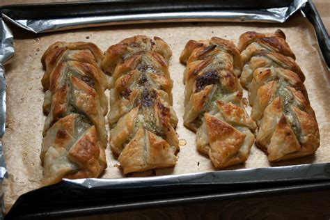 Reader Recipe Salmon With Puff Pastry And Pesto by Salmon Puff Pastries With Pesto Maison Cupcake