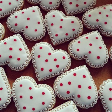 how to make valentines cookies best 25 cookies ideas on