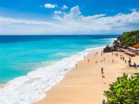 dreamland beach south kuta bali indonesia