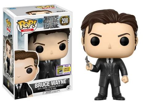 sdcc 2017 exclusive funko pop justice league 200 bruce wayne an englishman in