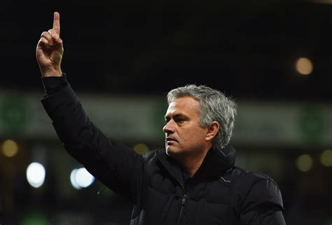 chelsea manager history chelsea crisis manager jose mourinho given vote of