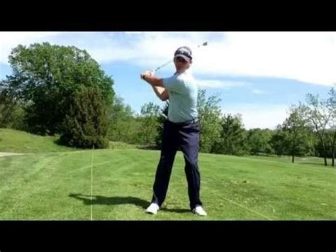 golf second swing 30 second golf tip how the legs move in the golf swing