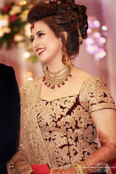 Divyanka Tripathi Looks Stunning At Her Wedding Reception