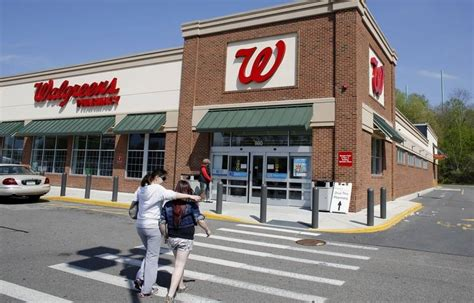 deerfield based walgreen is no longer asking its employees