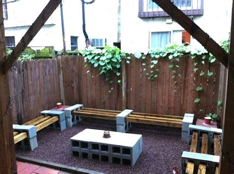 Cinder Block Patio by Here Are 18 Great Projects You Can Do With Cinder Blocks