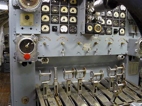 maneuvering room 01motorcontrols