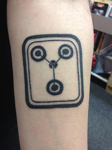 minimalist tattoo imgur my coworker showed me his awesome minimalist tattoo x